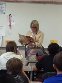 Mayor Reading to Students