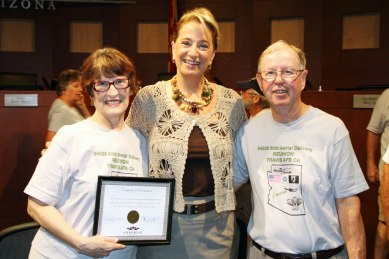 Mayor and Andersons at certificate presentation